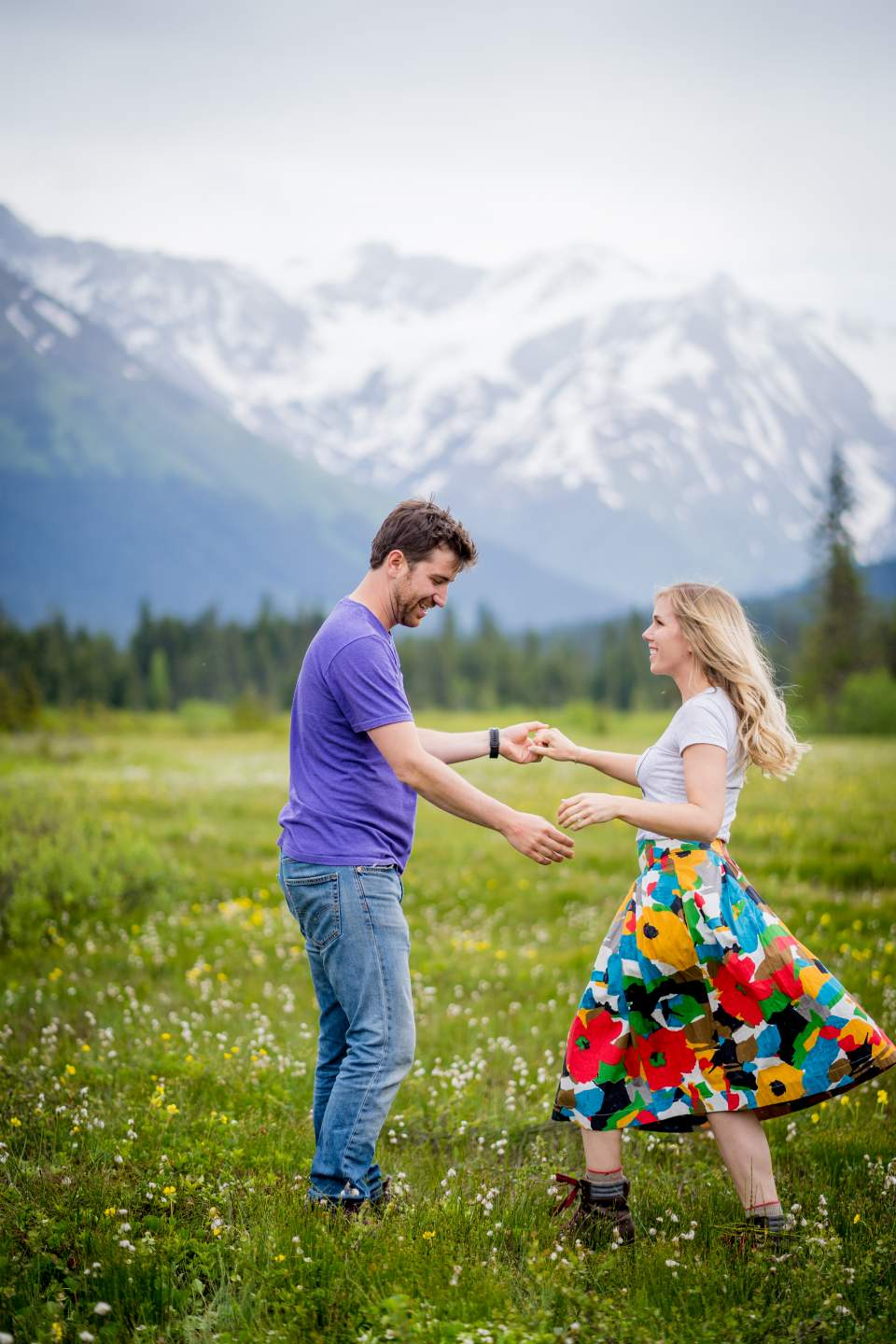 couple dancing in moose meadows