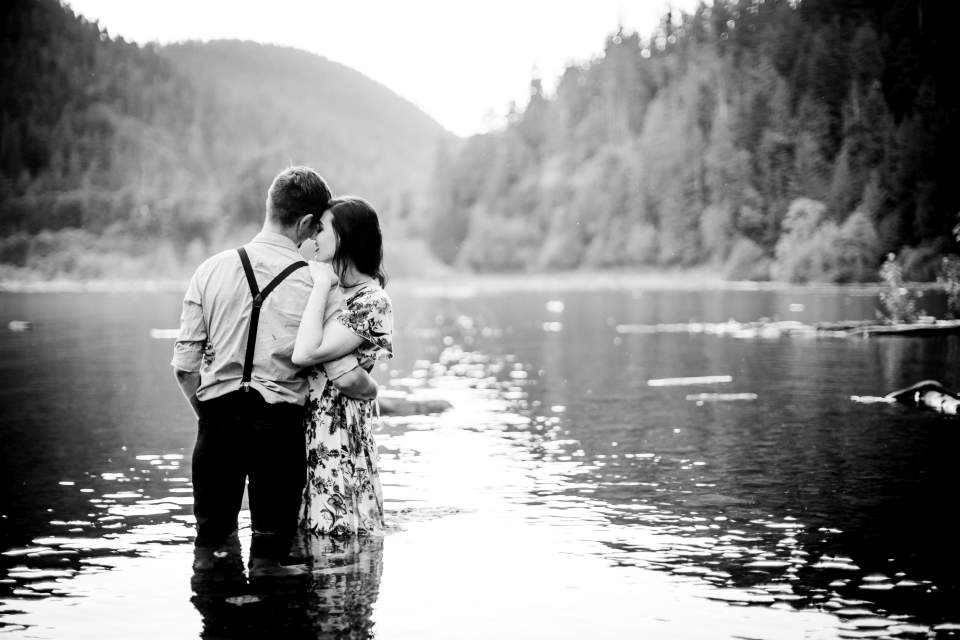 romantic lake engagement photos
