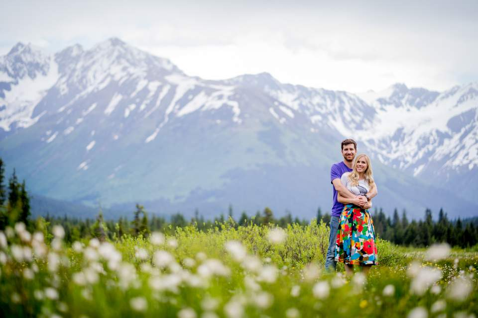 spring alyeska mountain engagement photos in alaska