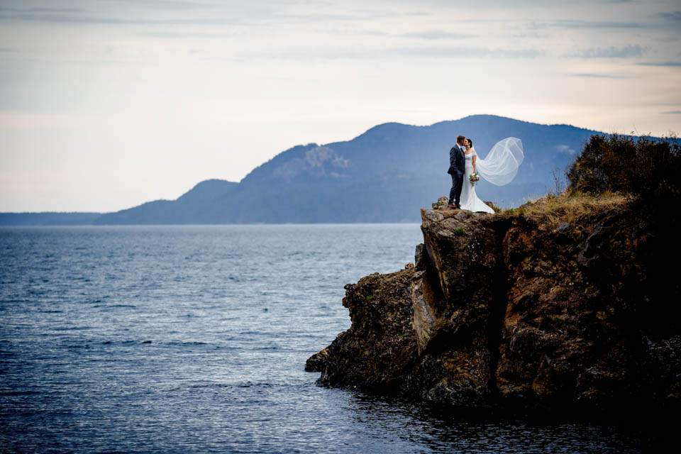 adventurous wedding photographers in the pacific north west