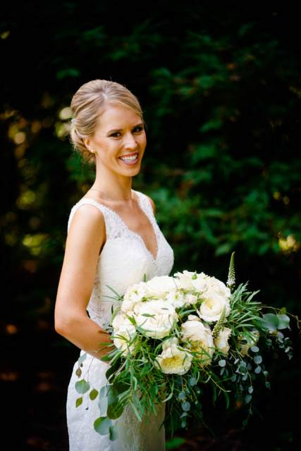 bride with white and greenery bouquet 1