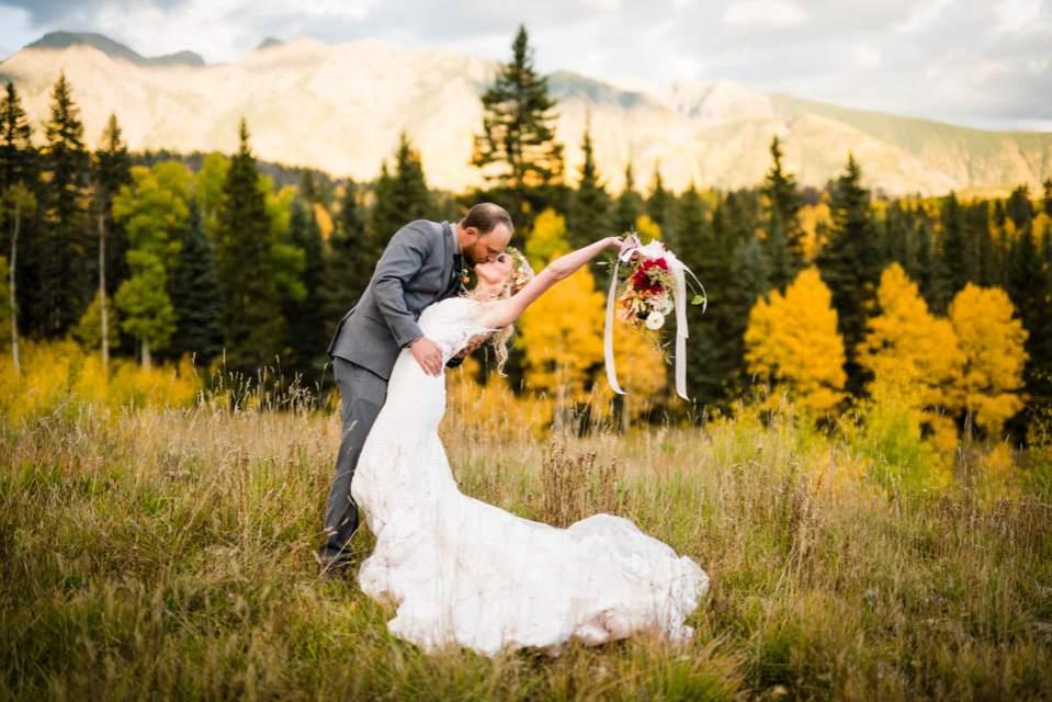 fall mountain colorado wedding
