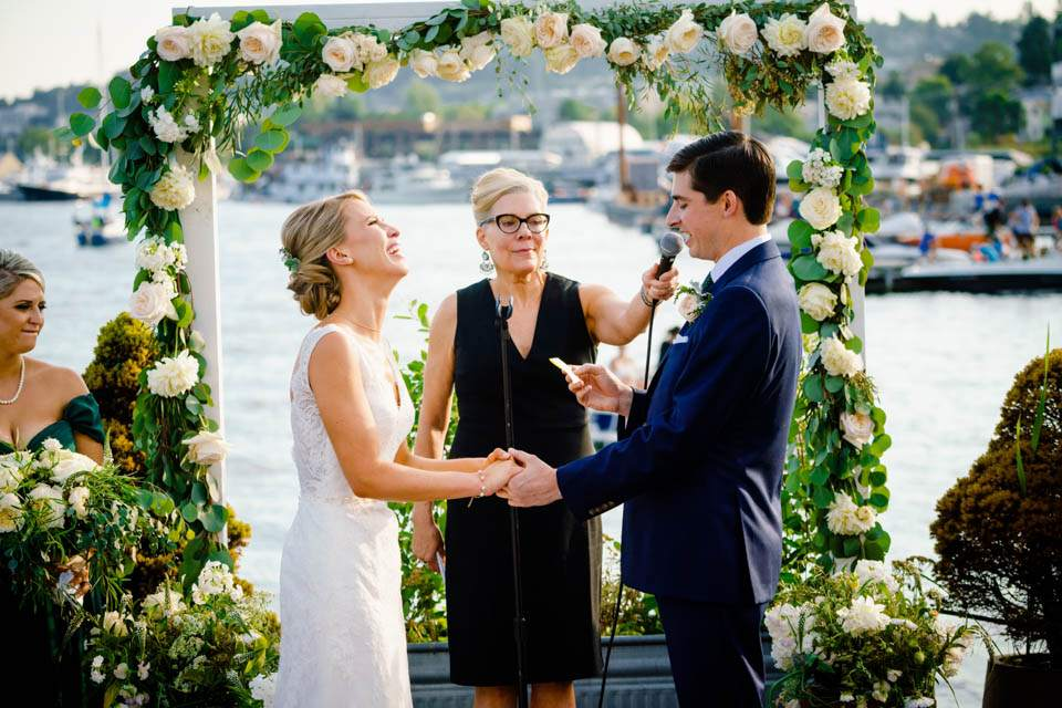 groom makes bride laugh with vows