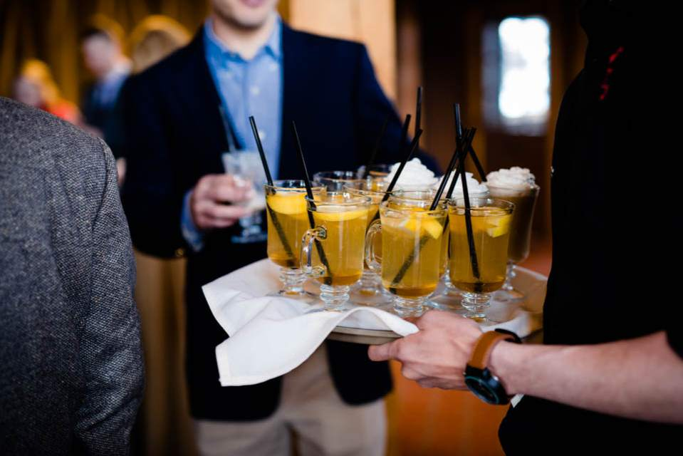 hot toddies at winter wedding in the mountains