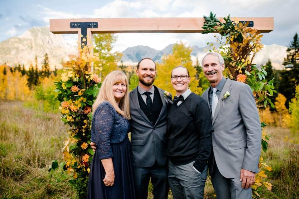 intimate wedding family photos