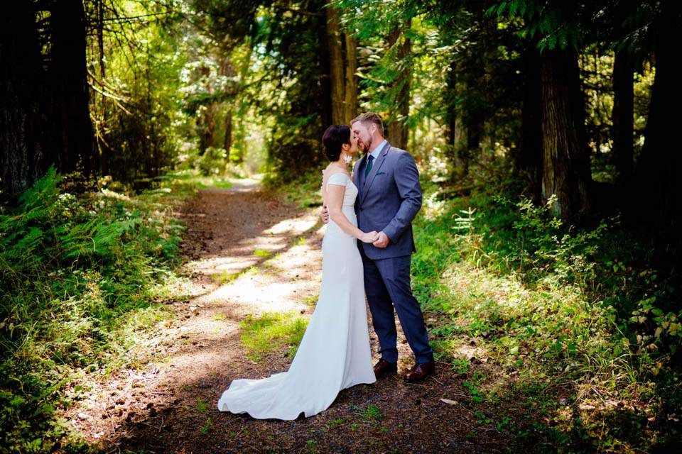 san juan island wedding day first look in forest
