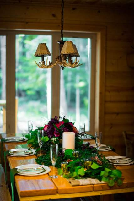 simple tablescape for intimate dinner party
