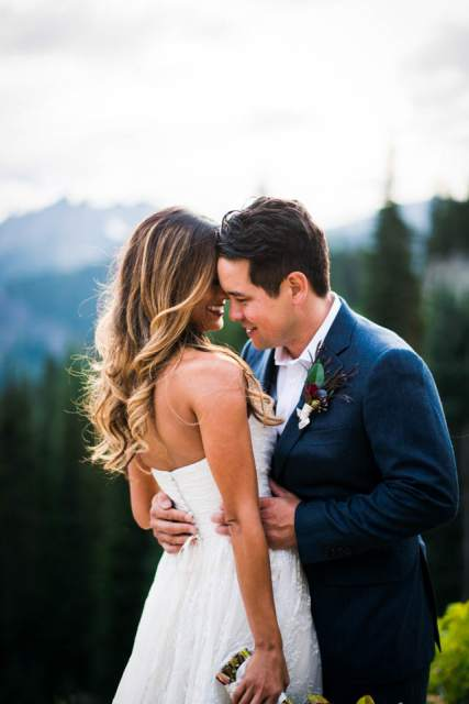 wedding photos at mount rainier