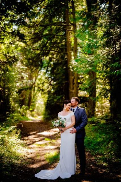 woodsy wedding photos on san juan island